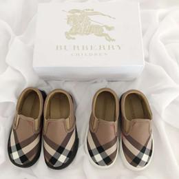 chaussures en gros de brevets pour bébés Promotion Designer Kids Shoes Fashion Classic Plaid Pattern Flat Brand Brand Shoes Chaussures confortables Slip-on enfants Chaussures EUR TAILLE 22-35