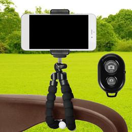 Iphone más trípode online-Soporte trípode Gosear para trípode con cámara inalámbrica Bluetooth Obturador remoto para iPhone X 8 7 6 6S Plus 5S Samsung Galaxy S8 S7 S6