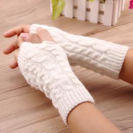 Deutschland Frauenhandschuhe Stilvolle Handwärmer Winterhandschuhe Frauen Arm häkeln stricken Faux Wolle Mitten warm Fingerlose Handschuhe, gants femme D18110806 cheap stylish gloves Versorgung