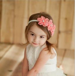 2019 genähte perlenblumen New Ribbon Pearl Diamond Hairband Neugeborene Haarbänder Nähen 3 Blumen Stirnband Kinder Haarschmuck für Mädchen günstig genähte perlenblumen