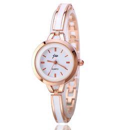 2018 estilo fino das mulheres pulseira de relógio de metal cola de plástico liga moda vestido de lazer relógio de quartzo senhoras barato atacado assista a616 de