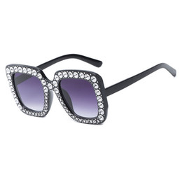 Wholesale trend sunglasses for women - Luxury Brand Sunglasses Large Frame Elegant Special Designer with Diamond Frame Fashion trend women sunglasses for party