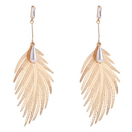Wholesale luxury feather earrings - alloy drop Earrings for women 2018 Luxury boho personality Multilayer feather Dangle earrings Vintage Rhinestone geometric Jewelry wholesale