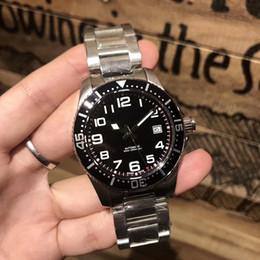 Оптовая продажа моды властного мужские часы высшего качества два цвета 40 мм циферблат из нержавеющей стали три указателя оригинальные импортные часы движения от