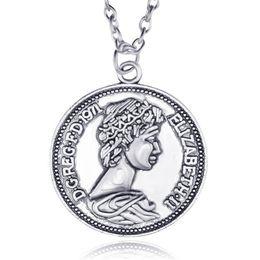 Wholesale commemorative coin gift - queen Elizabeth S Commemorative Coin Necklace Necklace Jewelry European hot 1971