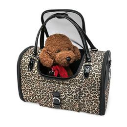 Fourre-tout léopard pas cher en Ligne-Sac de transport de luxe léopard pour animaux de compagnie chat petit chien sac de transport en cuir Pu Pu portable sac de transport Chihuahua avec sac à main pas cher