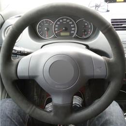 Velhas rodas de direção do carro on-line-Camurça preta DIY mão-costurado tampa de volante do carro para Suzuki SX4 Alto Old Swift