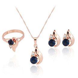Entier vente2017 Bleu Zircon Femmes Pendentif De Mariage Collier Boucle D'oreille Bague Ensemble de Bijoux Chaude ? partir de fabricateur