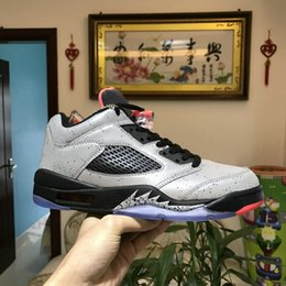 Wholesale cream color boots - 2018 Top 5 Shark teeth New designer mens Cushion Basketball Shoes Twelve color Chicago 5s Honor war boots Athletics Discount Sneakers