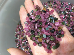 Wholesale Loose Tourmaline - 100g Mixed Tumbled Small loose Stone Natural polished Crystal Gems Quartz Red Green Blue Tourmaline Chips For Healing Reiki