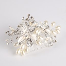 Wholesale Dresses Ornaments - Bridal ornaments handmade pearl comb wedding dress water drill flower accessories bride hair comb
