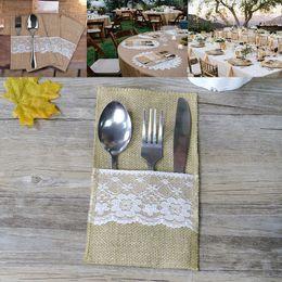 Tenedor cuchillo para fiesta online-Sostenedor de Cubiertos de arpillera Vintage Shabby Chic Yute Vajilla de Encaje Bolsa de Embalaje Tenedor Cuchillo de Bolsillo Decoración Del Partido de DHL WX9-791