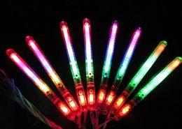 Дети вели палочки онлайн-СВЕТОДИОДНАЯ Вспышка Света Палочки Свечения Палочки Детские Игрушки На Праздник Концерт Рождественский Вечер Подарок На День Рождения