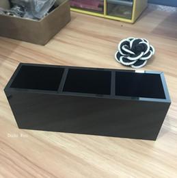 Роскошные мода 3 сетки черный акриловые хранения помады держатель макияж кисти для хранения чехол организатор ювелирных изделий с коробкой счетчик подарок для vip от Поставщики сетка подарочной коробки