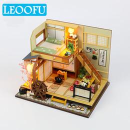 2019 miniature di vacanza LEOOFU handmade più nuova casa di bambola mobili fai da te in miniatura 3d miniature di legno casa delle bambole giocattoli per bambini vacanza regalo di compleanno sconti miniature di vacanza