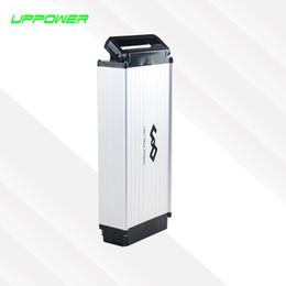 Caso elettrico della batteria della bici online-US EU No Tax Cassa in lega di alluminio Portabici elettrico posteriore Batteria 48V 10Ah Batteria al litio 500W Batteria ricaricabile Li-ion eBike + Caricabatterie