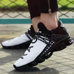 2019 moda para homens grandes Melhor Vendedor Lâmina Tamanho Grande Sapatos de Grife Casal Voando Tecido Moda Sapatos de Maré Malha Respirável Homens Mulheres Sapatos de Desporto (tamanho 5.5-13) moda para homens grandes barato