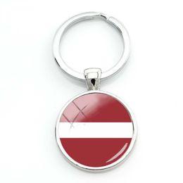 polen-flagge Rabatt 2019 Mode Polen Flagge Glas Cabochon Schlüsselanhänger Mexiko Flagge National Schlüsselanhänger Frauen Silber Lettland Flagge Glas Schlüsselanhänger