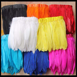 2019 plumas de pavo teñidas Corte de plumas de ganso Franjas de plumas 2 Yardas Corte de plumas de ganso Vestido de costura Disfraces Plumas de ganso Ribetes de cinta Plumas de flecos Plumas