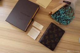 2019 carteras de tarjetas fresco Nuevos bolsos de diseño Vintage PU Carteras para hombres Fine Bifold Brown Negro PU Leather Credit Card Cool tri fold Wallet para hombres Entrega gratuita carteras de tarjetas fresco baratos