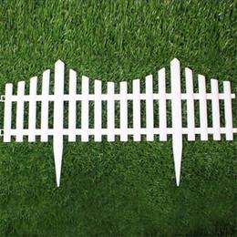Recinzione di plastica del giardino di 5pcs facile monta l'inserzione di stile europea bianca inserisca le recinzioni di plastica del tipo per l'arredamento del cortile del giardino cheap white plastic fencing da recinzione di plastica bianca fornitori