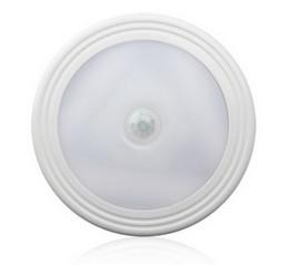 PIR LED del sensore di movimento luce di notte 100 gradi Auto On / Off Closet magnetica Indietro parete armadio lampada del Governo di potenza della batteria per il bagno da