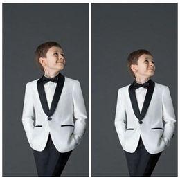 2019 pajarita de tweed para niños 2019 Skim Boys Suits para Bodas Niños Traje smoking New Black White Kid Boda Trajes de fiesta blazers para niños (Jacket + Pants)