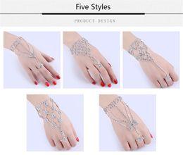 Catena a mano indiana online-New Indian Trendy Multistrato Wrap Braccialetti per dita Argento Colore catena Link Nappa Harness Charms mano bracciale per le donne