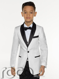 Ropa de fiesta blanca online-New Fashion White Boy Formal Wear Hermoso niño Kid Attire Wedding Apparel Blazer fiesta de cumpleaños traje de fiesta (chaqueta + pantalones + corbata + chaleco) 17