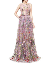 vestidos de noite para senhoras tamanho plus Desconto Trendy Bordado Floral Sheer Vestidos de Noite 2018 Flor Ilusão Plus Size Sexy Lady Vestido Longo Vestido de Festa Vestidos de Baile Celebridade Pageant