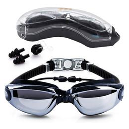 2019 occhiali nocivi Occhiali da nuoto Anti-Fog 100% protezione UV Occhiali da nuoto con tappi per le orecchie gratuiti Naso clip Custodia per adulti Uomini Donne Bambini occhiali nocivi economici