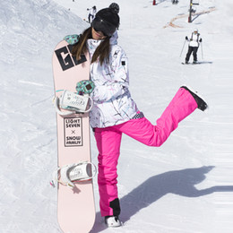 2019 esqui em geral Terno de esqui das Mulheres de Inverno Ao Ar Livre À Prova D 'Água À Prova de Vento Quente Esqui Grosso Jaqueta de Macacão de Madeira Dupla Placa de Esqui Roupas esqui em geral barato