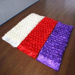 Corredor de la alfombra blanca de la boda online-10 m / lote 1.4 m Ancho Blanco Romántico 3D Pétalo de Rosa Alfombra Corredor de Pasillo Para Boda Fondo de Centro de Piezas Favores Decoración de Fiesta