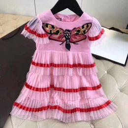 Fledermausrock online-Mädchen-Luxuriöse Kleid 2018 Sommer Netz Gaze Mädchen Rock europäischen Schönheit Baby Kleid Schmetterling bestickt Kuchen Rock.