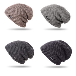 2019 chapéu cinzento do bobble 2019 Popular Inverno Mens presente Handmade multi cores Cap Beanie Resistência fio de lã fria Venda