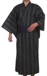 Argentina Kimono Tradicional Japonés Hombres Algodón Robe Yukata Hombres Robe Kimono con Cinturón Uniforme Escenario Performance Samurai Ropa supplier traditional japanese clothes Suministro