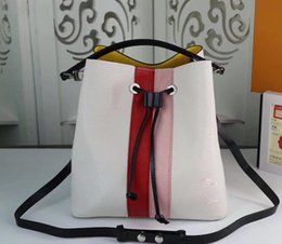 Borsa secchiello per donna New Catwalk Style Borse piccole moda bianco e nero Borse a tracolla Laides M52161 M52163 26 * 17 * 26cm da
