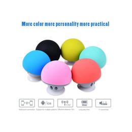 Autocollant portable ipad en Ligne-Portable Bluetooth haut-parleur mains libres champignon haut-parleur avec support de disque à sucer pour ipad samsung MP3 pad tablet pc avec commerce de détail