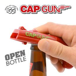 2019 outil de coiffage de la bière Portable Cap Gun Ouvre-bouteille Pistolet Launcher Shooter Bar Ouvre-bière Ouvre-Bouchon Boisson Ouvre Kichen Outil De Cuisine Bar Tir Sur 5 Mètre promotion outil de coiffage de la bière