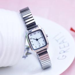 Sehe alte mode online-2018 neue alte Frauen Damen hochwertige Uhren flexible elastische Armband Mode einfache Edelstahl elektronische Armbanduhren