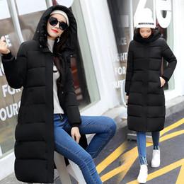 manteau d'hiver à capuche pour femme longtemps Promotion Femmes hiver bas vestes à capuche manteau épais, plus la taille des vêtements pour femmes occasionnels chauds couleur unie coton-rembourré veste longue ouatée manteaux parka