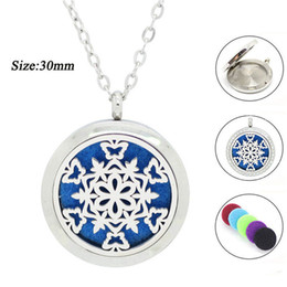Wholesale 316 Stainless Steel Magnetic Lockets - 30mm silver magnetic Snow shape perfume locket oil diffuser necklace with crystals 316 stainless steel pendant for Christmas Day