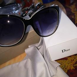 Marque dames été lunettes de soleil de luxe UV400 lunettes de soleil de  protection des sports hommes et femmes lunettes de soleil 1d97062ad1b7