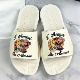 Wholesale Womens Slippers Animal - Newest 2018 mens and womens fashion causal slippers boys &girls Animal print Summer slides sandals unisex outdoor beach Shoes size 34-45