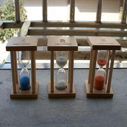 Argentina NUEVO 1 pc 1minutes / 5minutes Colorful Toothbrush Timer Hourglasses Sandglass Sand Clock Timers reloj de escritorio Envío de la gota Suministro