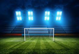 Estadios de futbol online-7x5FT Estadio Vacío Azul Foco Fútbol Fútbol Campo Verde Foto Personalizada Fondo de Escritorio Telón de Fondo de Vinilo 220 cm x 150 cm
