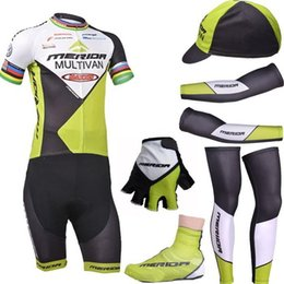 couvre-jambes de bras de cyclisme Promotion Ensemble complet 2018 Merida équipe de cyclisme porter des vêtements d'été vélo avec bras / jambe et demi doigt gants gants couvre couvre