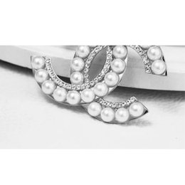 Wholesale Gold Wedding Brooches - 2018 Luxury Brand Designer Letter C Brooch Rhinestone Pearl Gold Suit Lapel Pin for Women Girls Jewelry Gift Acessoris Free Shipping