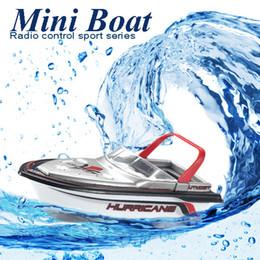 Mini modèles de bateaux en Ligne-2016 Brand New RC Bateau Bonne Vache 777-218 Télécommande Mini RC Racing Bateau Modèle Vedette Rapide Enfant Cadeau FSWB