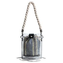 Модные прозрачные сумки для пляжа онлайн-Fashion Women Handbags Transparent Jelly Bags Beach Bag 2018 New Solid Chain Women Bucket Bags Females Handbags Composite Bag